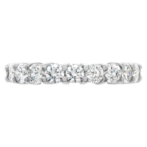 Diamond eternity band in platinum with 2.72 carats in diamonds
