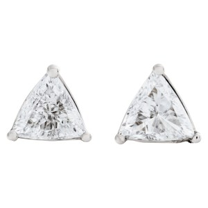 Triangle diamond studs in 18k 3 prong setting