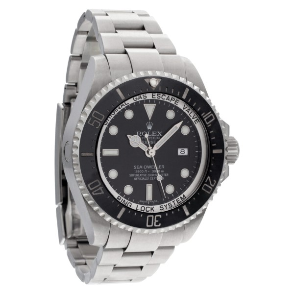 Rolex Sea-Dweller 116660 Stainless Steel Black dial 44mm Automatic watch