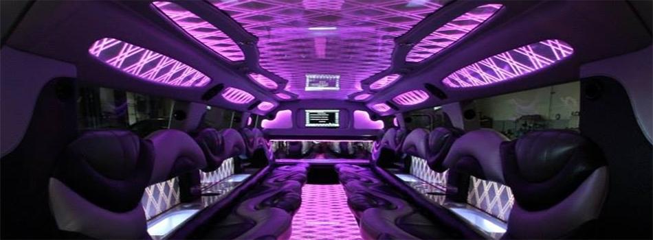 Luxxor Limousine  Coach Bus  Des Moines Finest in