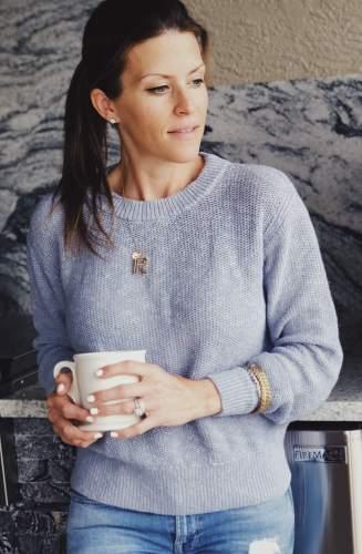 everlane blue sweater luxymom