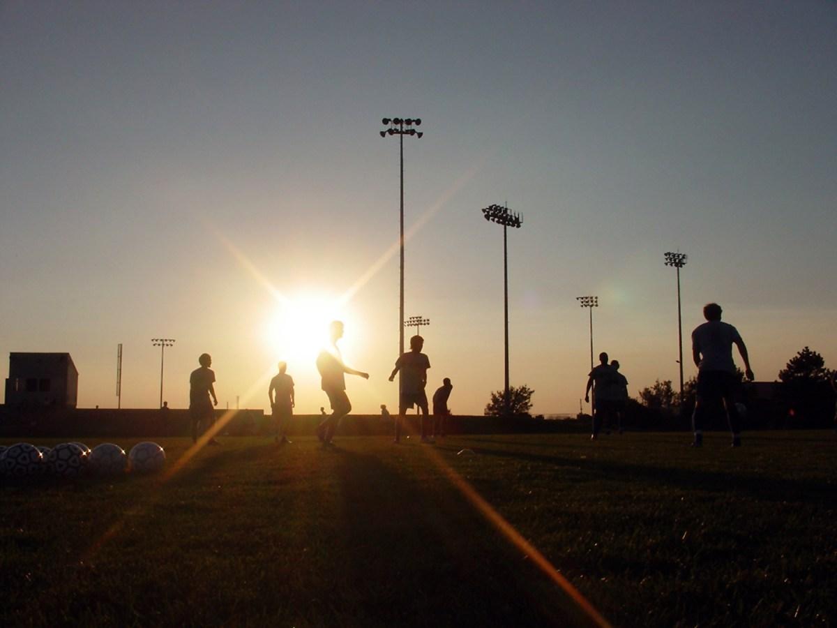 soccer-at-sunset-1389065