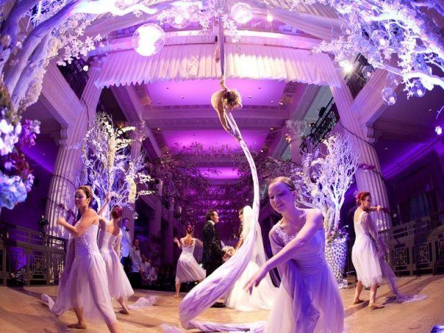 7_Wonderful_Weddings_Roxanne_and_Kolja_Photos_by_Michael_Carr_Photography_February_2013