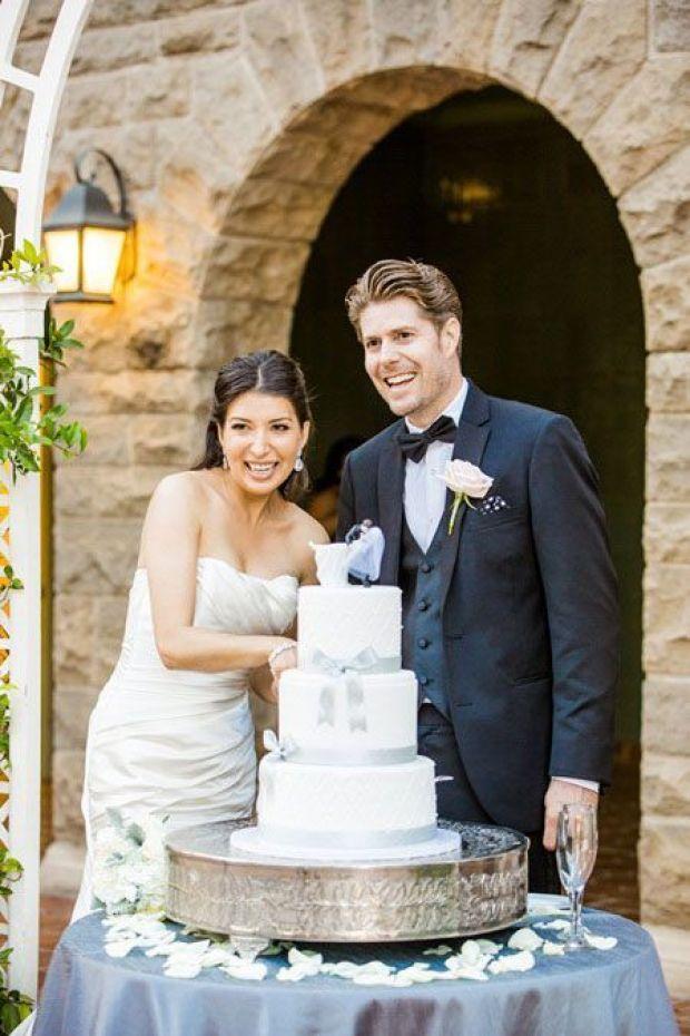 Classic-White-Three-Tier-Wedding-Cake-1