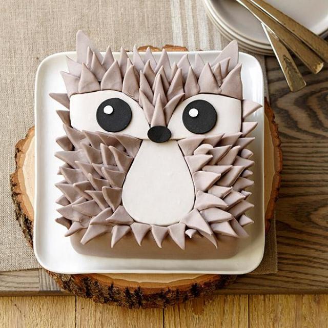Edgy-Hedgehog-Cake-large