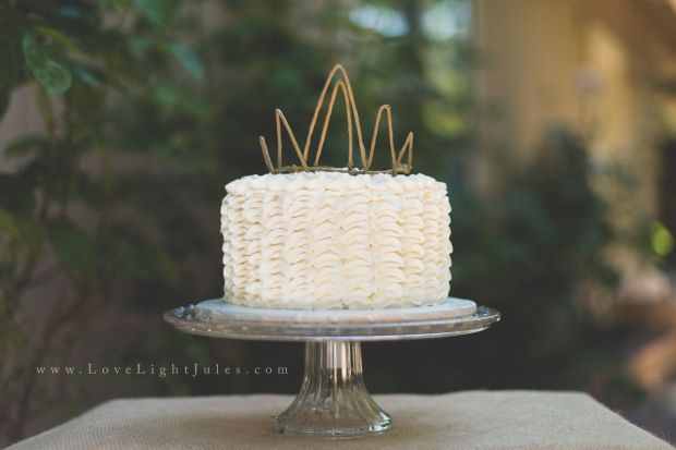 Smash-Cake-with-a-Crown