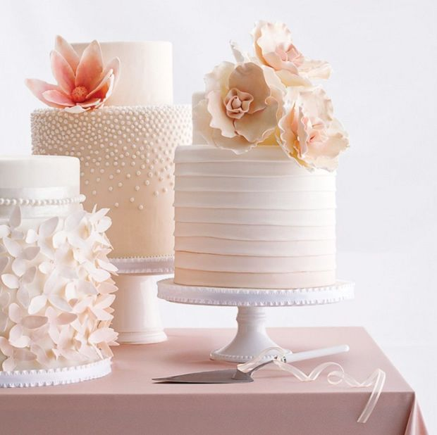 beautiful-blush-little-cakes