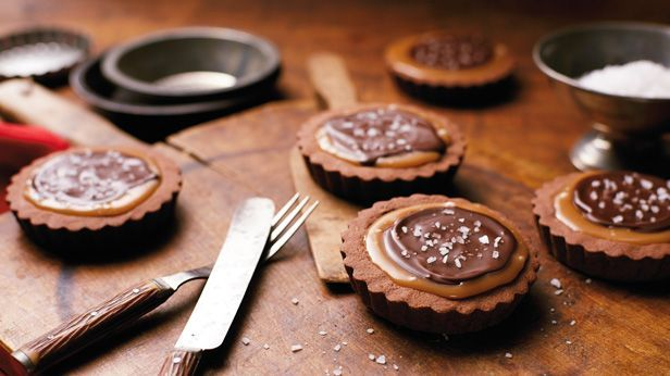 chocolate-desserts-caramel-brownies