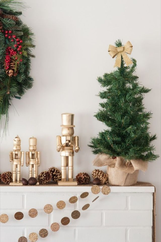 Airwick Holiday Candles