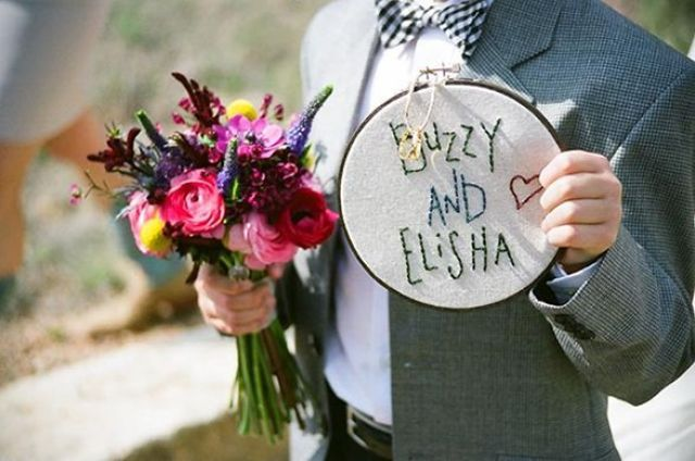 embroidery-hoop-wedding-ideas-ring-bearer