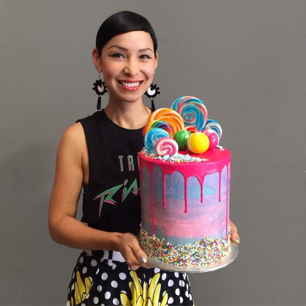 Katherine-Sabbath-with-Cake-