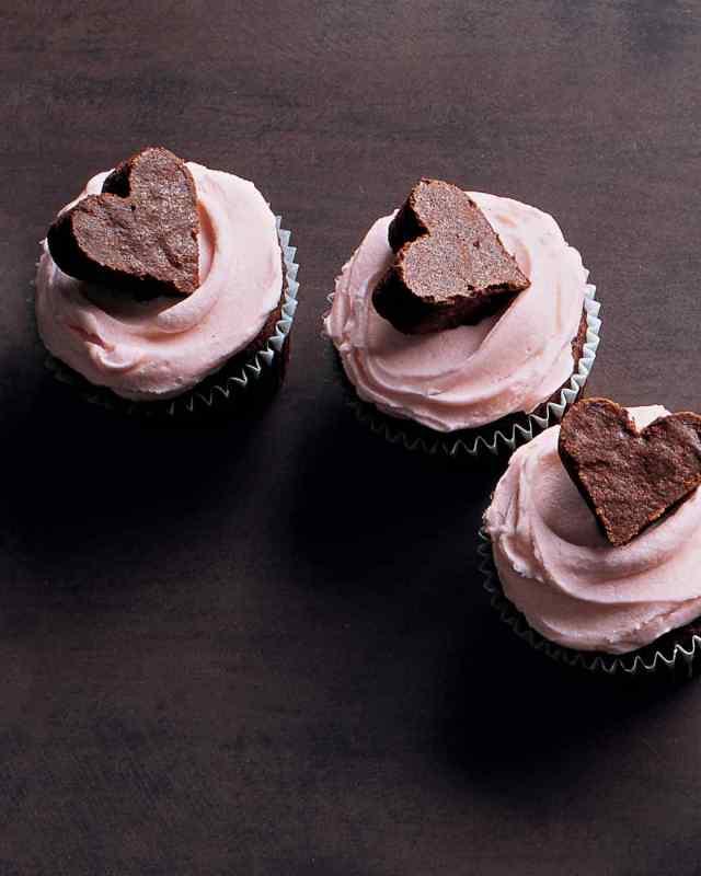 la104524_0209_brownie_heart_vert