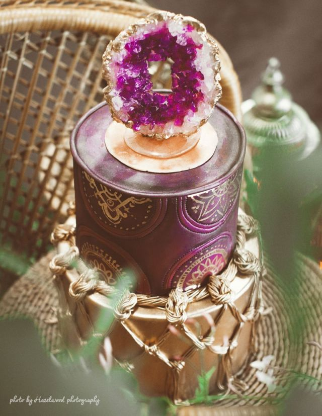 amethyst-wedding-cake (1)