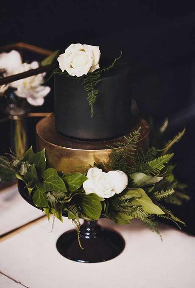 Dark-Wedding-Cakes-CJ-Williams-1.jpg