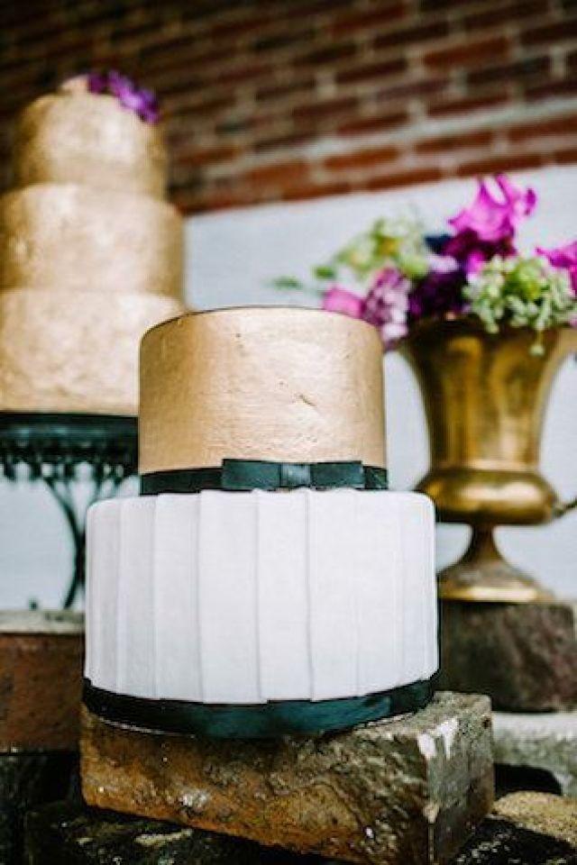 gold-wedding-cake-2.jpg