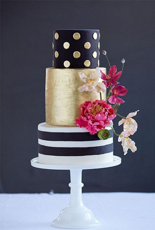 modern-wedding-cakes-dark-colors-wild-orchid-baking-company-03.jpg