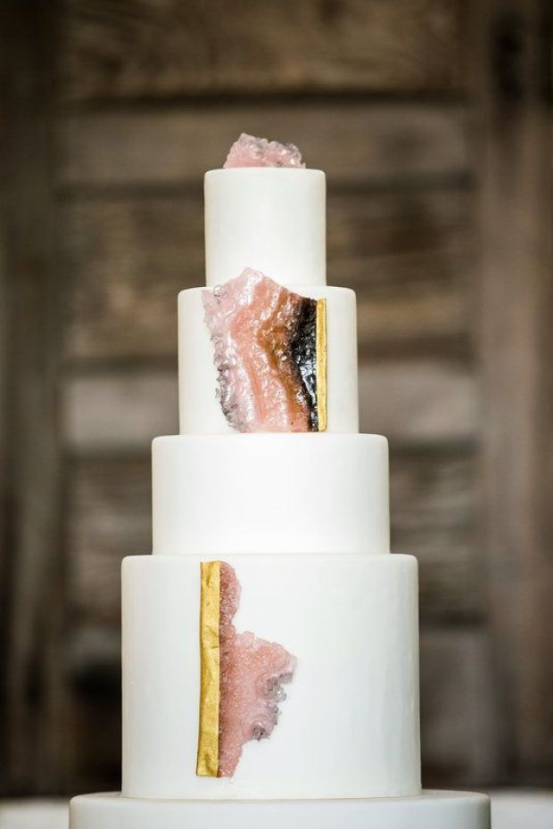 Pink-and-gold-geode-cake-2