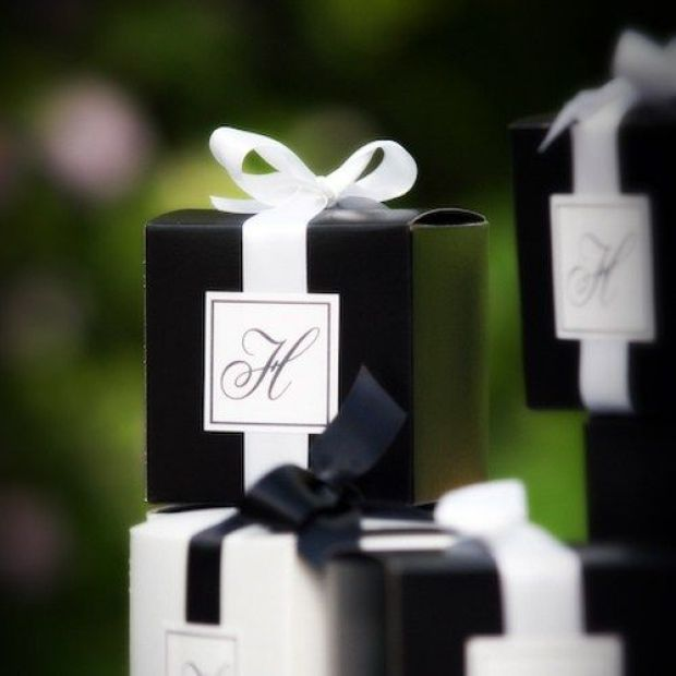 black-and-white-wedding-decoration.jpg