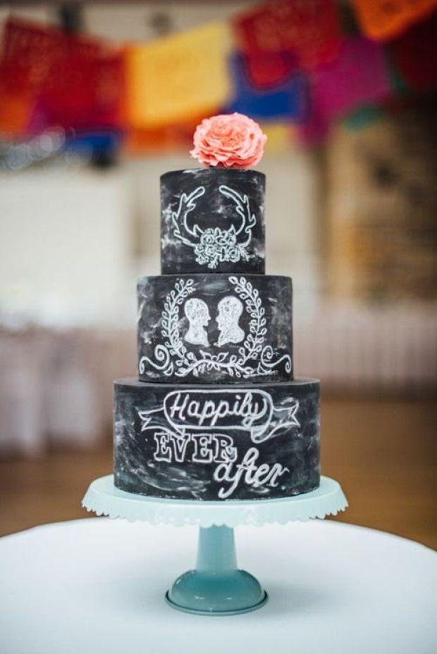 Chalkboard-wedding-cake-1.jpg
