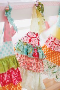 cupcake-party-aprons