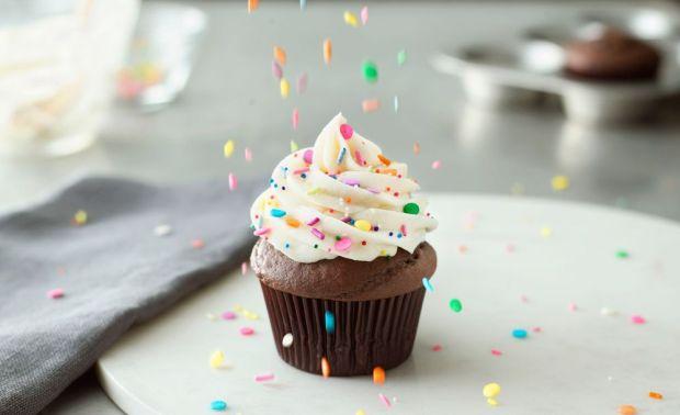 cupcake_and_sprinkles.jpg