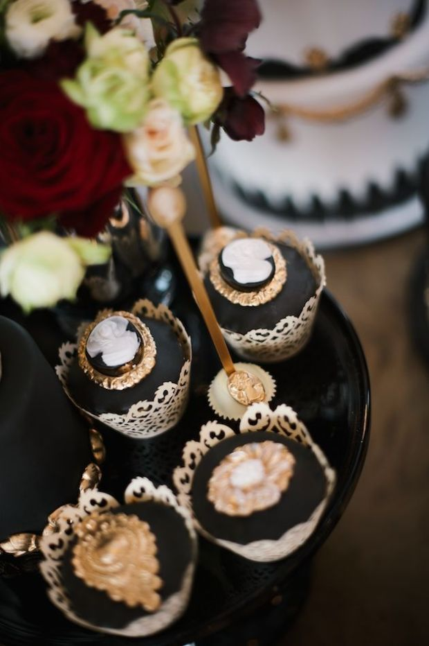 Luxurious-Black-Gold-Wedding-Inspiration-Kate-Nielen-Photography-Bridal-Musings-Wedding-Blog-21.jpg