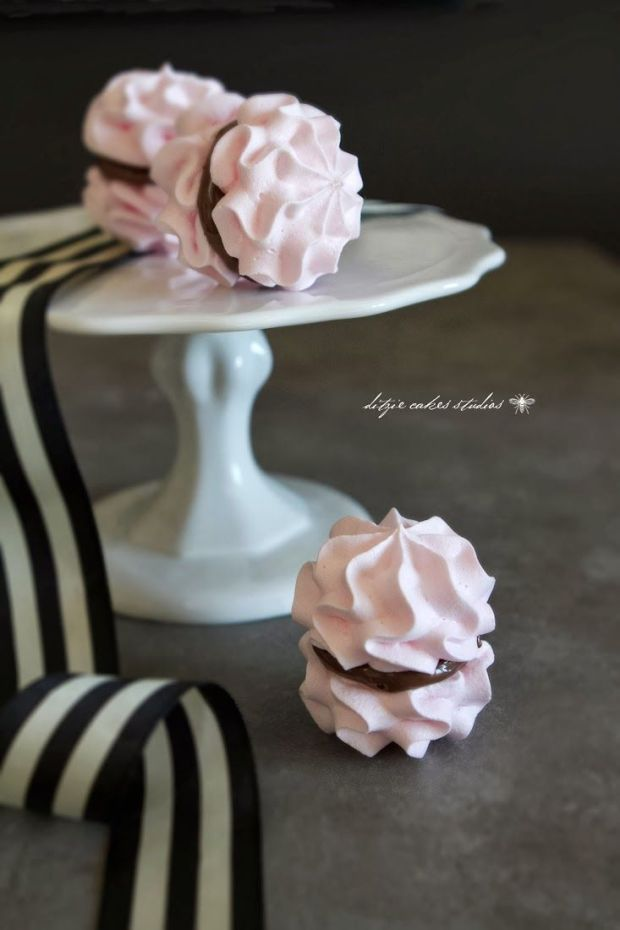 PINK-MERINGUE-11-COLLAGE.jpg