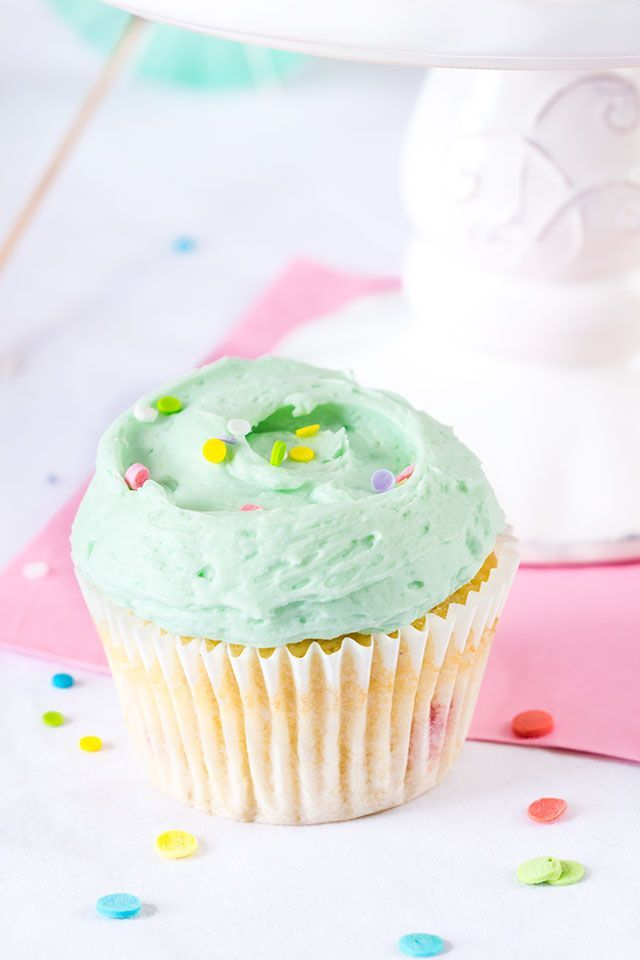 Vanilla_Cupcakes4