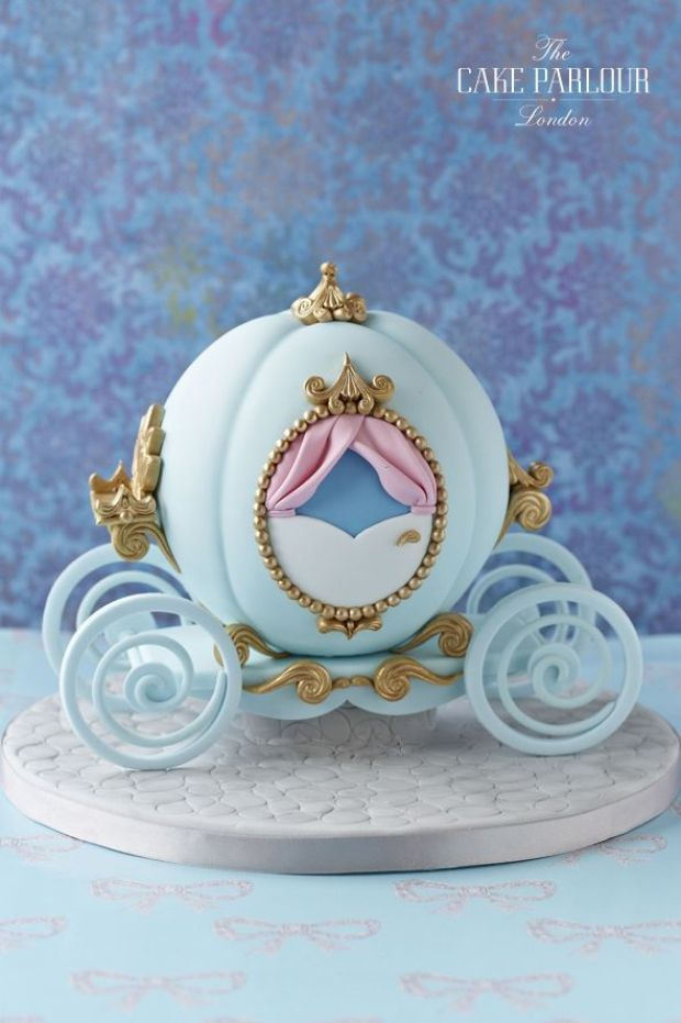 Cindrellas-carriage-cake-copy