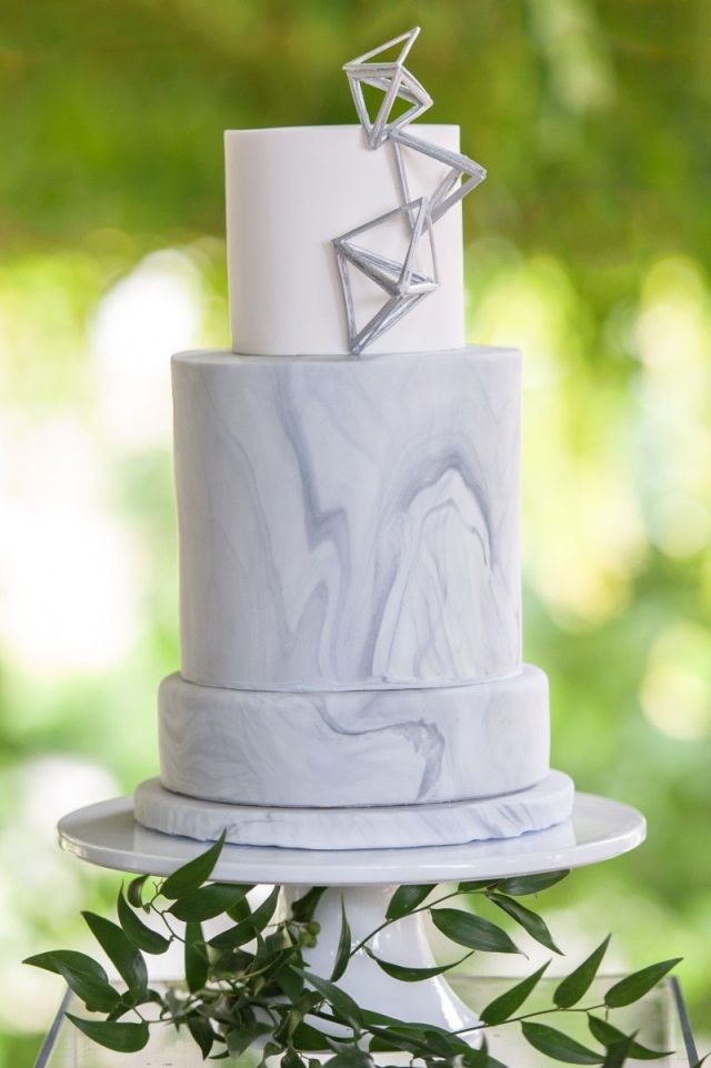 marble-wedding-cake-1-800x1202