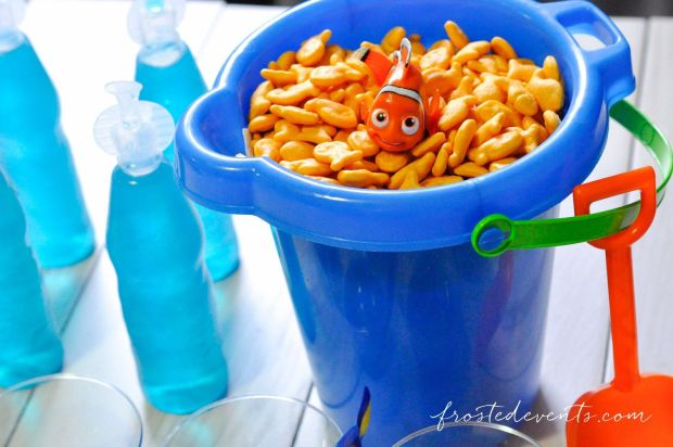 favorite-family-movies-for-movie-night-finding-dory-party-finding-nemo-party-ideas_-10