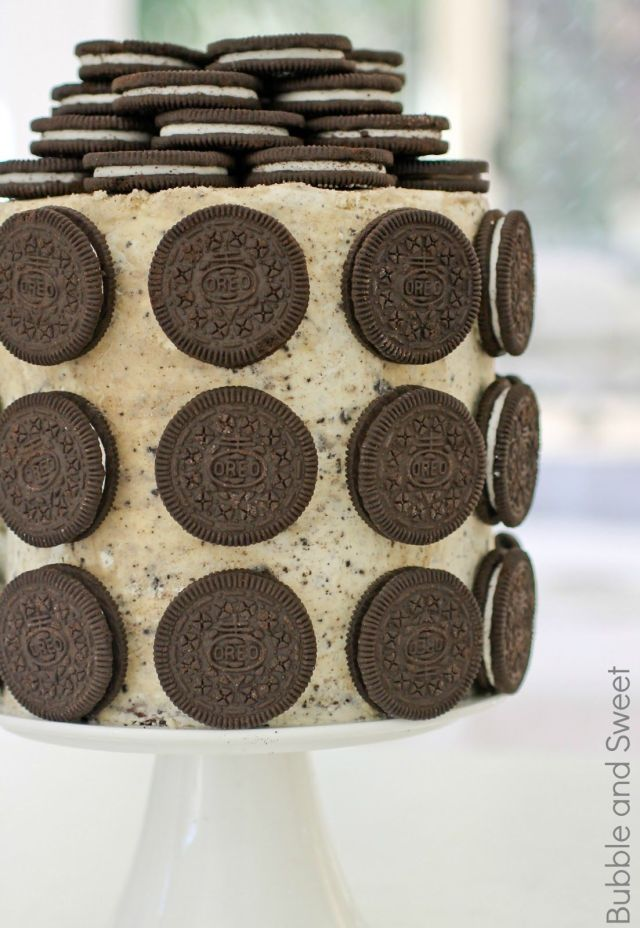 elegant stacked oreo cake cookies and cream frosting double barrel food photography.jpg
