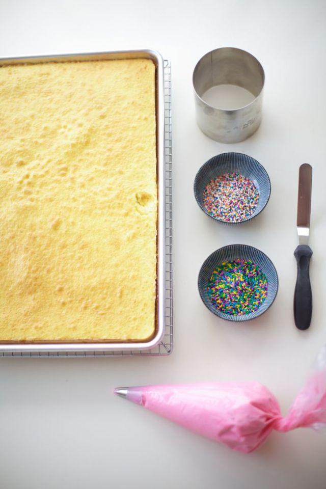 how-to-make-mini-cakes.jpg