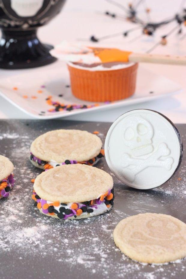 7-skull-cookies-kim-byers-6012sm
