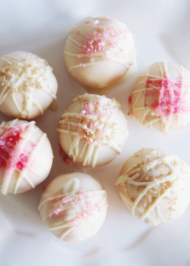 cake-pops-white-pink
