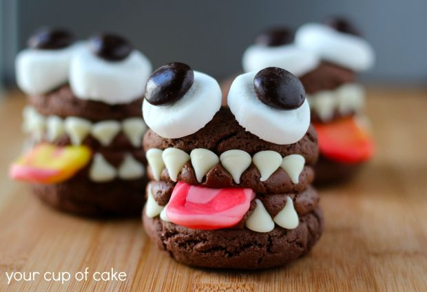 Monster-whoopie-pie-for-halloween.jpg
