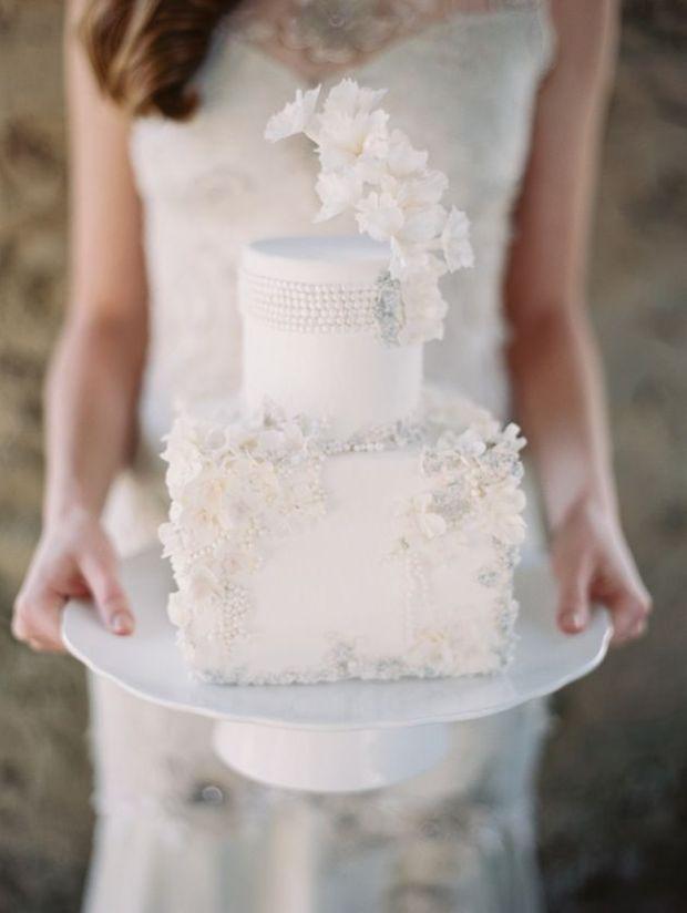 Enchanted-Atelier-for-Claire-Pettibone-Accessories-57Maggie-Austin-Cakes-Closeup-57 (1).jpg