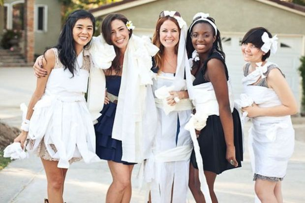 toilet-paper-wedding-dress-bridal-shower-fame