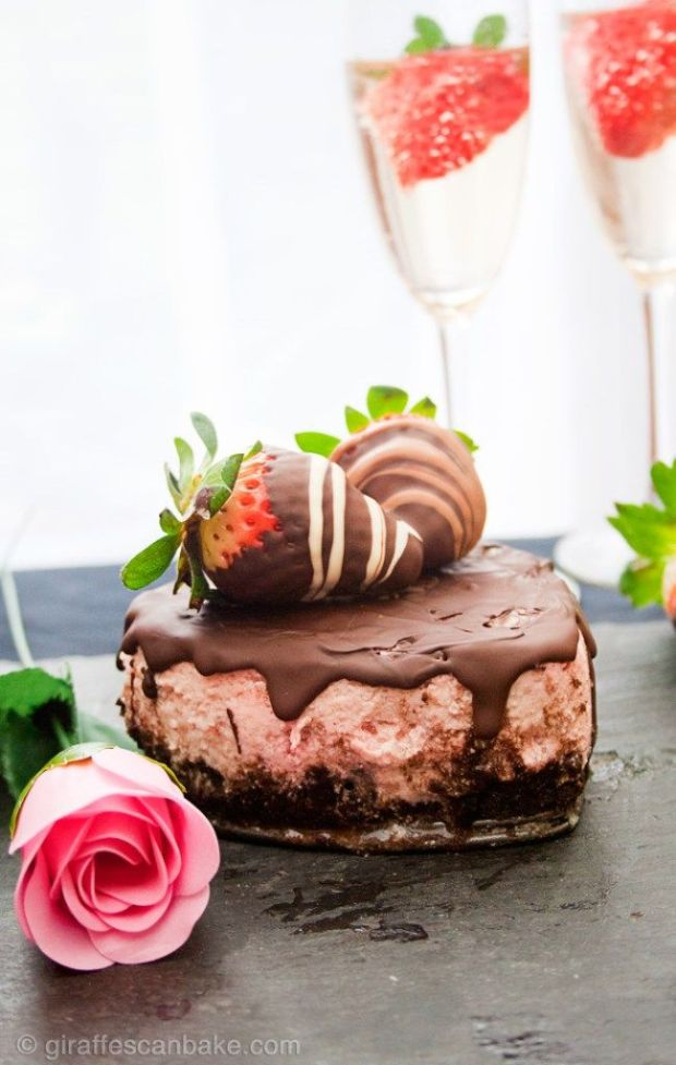 Chocolate-Covered-Strawberry-Cheesecake-680px-6.jpg