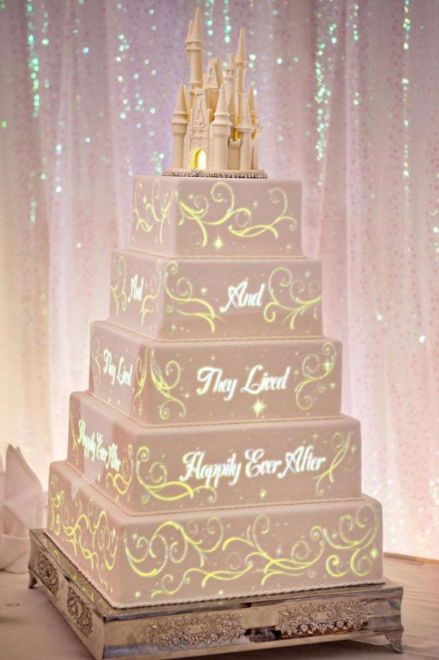 Wedding-cake-video-projection-by-Disney-2-682x1024.jpg