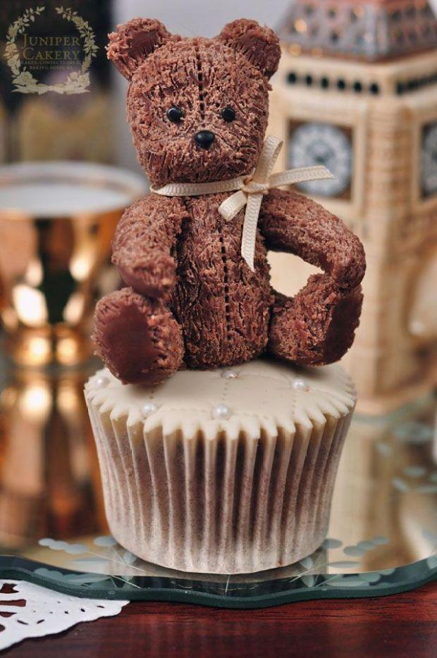 antique-teddy-by-juniper-cakery-side-last-600.jpg