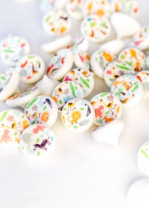 How-to-Make-Meringue-Sugar-Stamps-with-Safari-Animals-The-Bearfoot-Baker.jpg