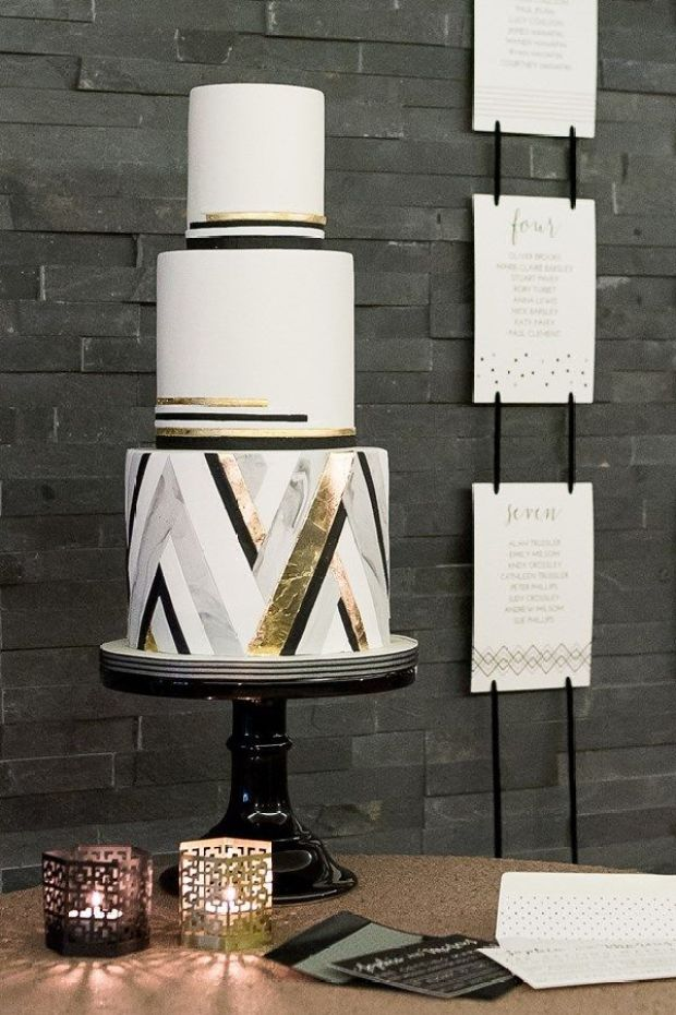3d0cb9e5a752fb139386f5fae0c8b154--gold-wedding-cakes-metallic-wedding-cake