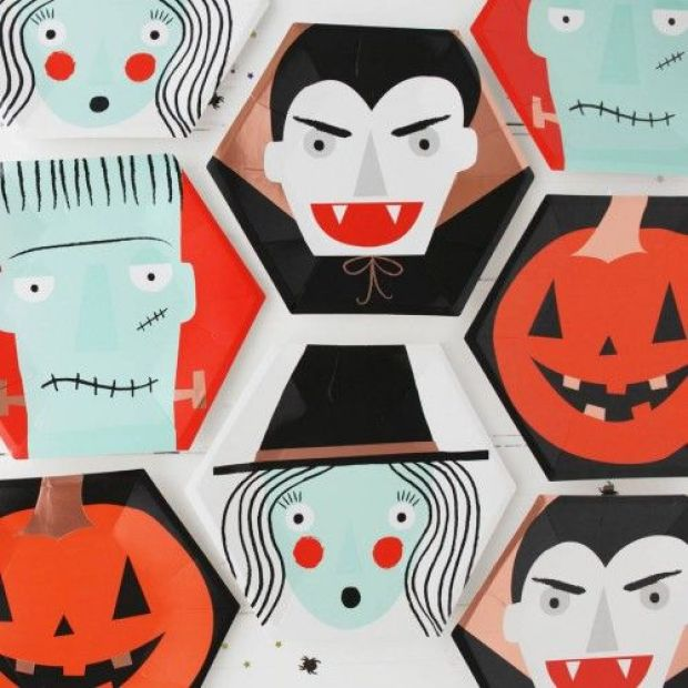 original_halloween-spooky-faces-party-plates-1-500x500.jpg