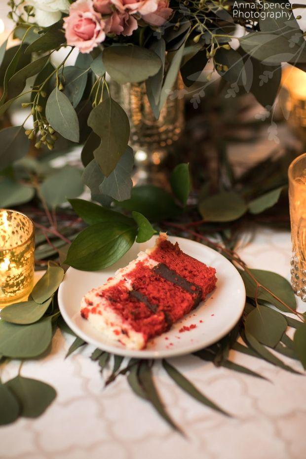 red-velvet-chocolate-wedding-cake.jpg