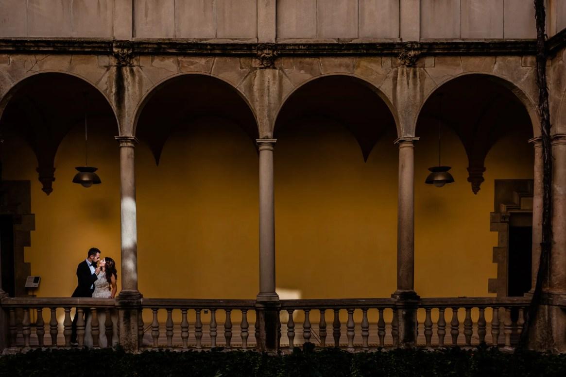 LuzdeBarcelona-boda-fotografo-postboda-gotico-Barcelona-25