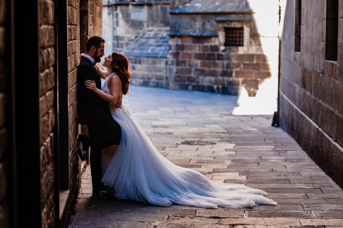 LuzdeBarcelona-boda-fotografo-postboda-gotico-Barcelona-36