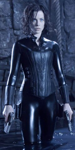 Selene-Underworld-vampire-movies-Kate-Beckinsale-b