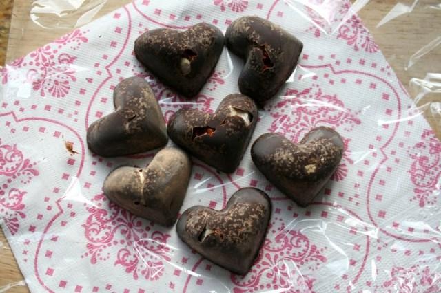 LuzPatterns.com DIY Chocolate hearts 3