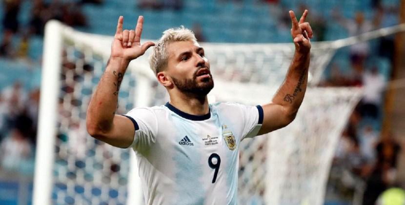 La selección argentina le ganó a Qatar 2-0 y pasó a la sigiuiente fase